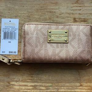 Michael Kors Rose Gold Wallet